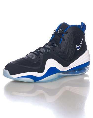 NIKE BOYS Black Footwear / Sneakers