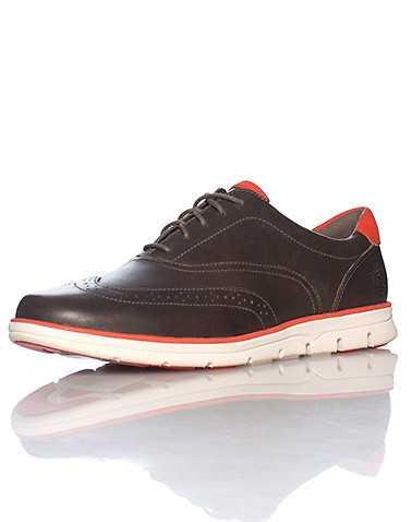 TIMBERLAND MENS Brown Footwear / Casual 10