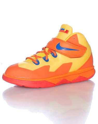NIKE BOYS Orange Footwear / Sneakers 2Y
