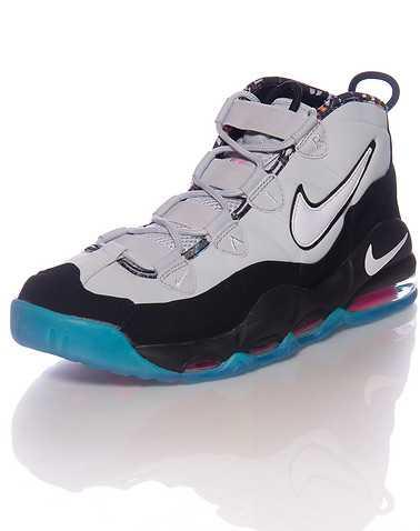 NIKE SPORTSWEAR MENS Black Footwear / Sneakers 7.5