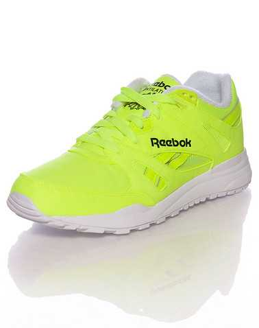REEBOK BOYS Yellow Footwear / Sneakers 4.5