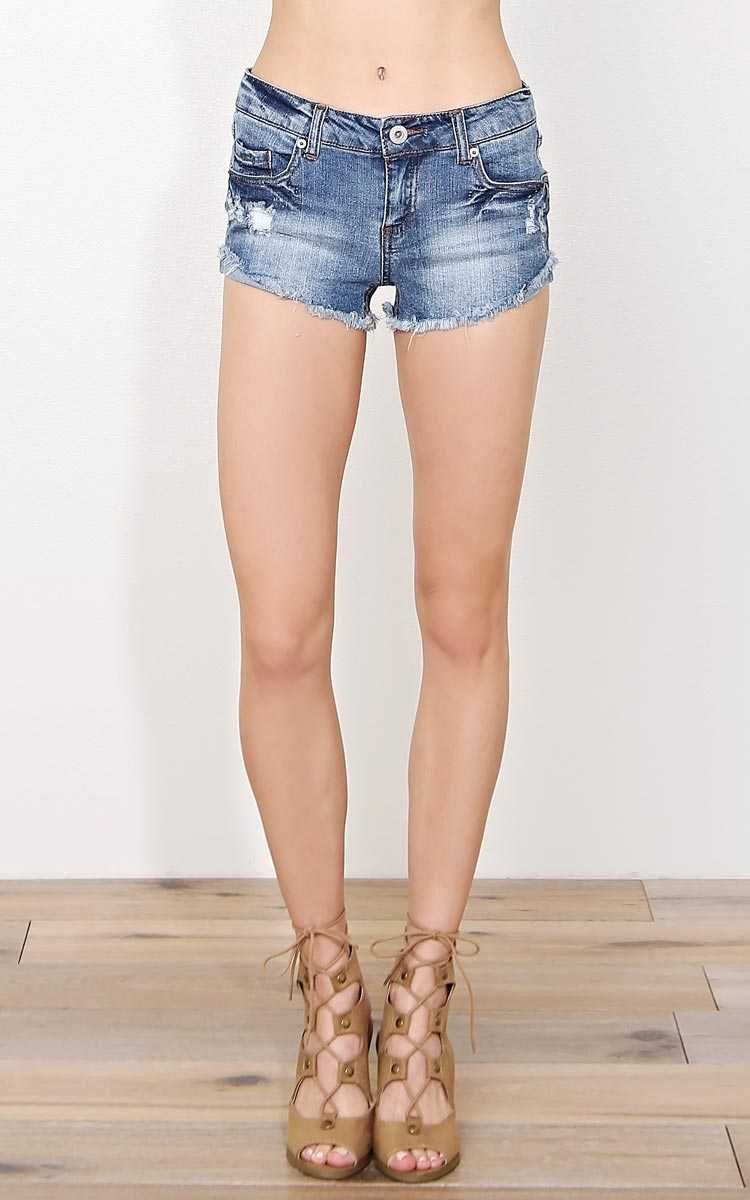 Daisy Frayed Denim Shorts - Med Wash in Size by Styles For Less