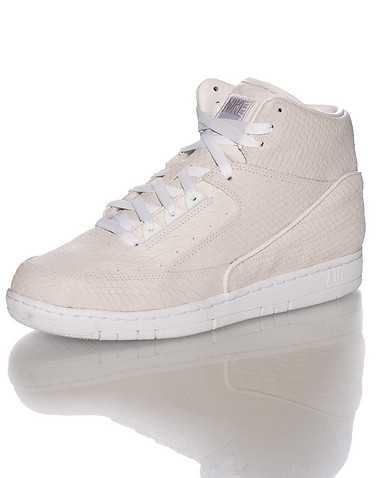 NIKE SPORTSWEAR MENS White Footwear / Sneakers 7.5