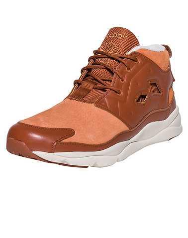 REEBOK MENS Medium Orange Footwear / Sneakers