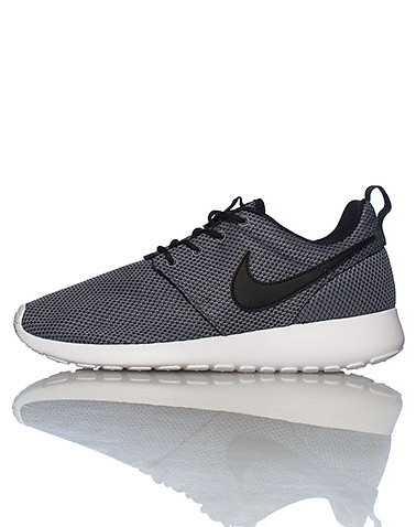 NIKE BOYS Grey Footwear / Sneakers