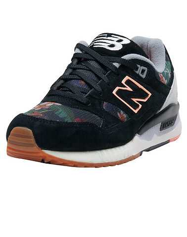 NEW BALANCE WOMENS Black Footwear / Sneakers