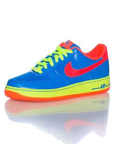 NIKE BOYS Blue Footwear / Sneakers 6Y