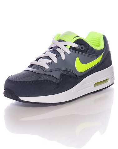 NIKE BOYS Grey Footwear / Sneakers 2Y