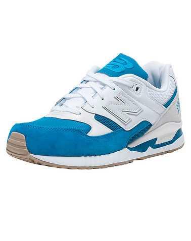 NEW BALANCE WOMENS Medium Blue Footwear / Sneakers