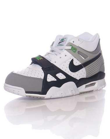 NIKE BOYS White Footwear / Sneakers 6Y