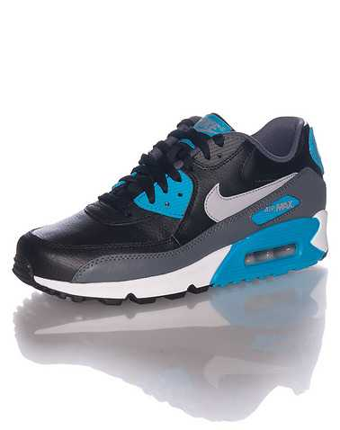 NIKE BOYS Black Footwear / Sneakers 4.5Y