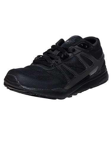 REEBOK BOYS Black Footwear / Sneakers 6.5