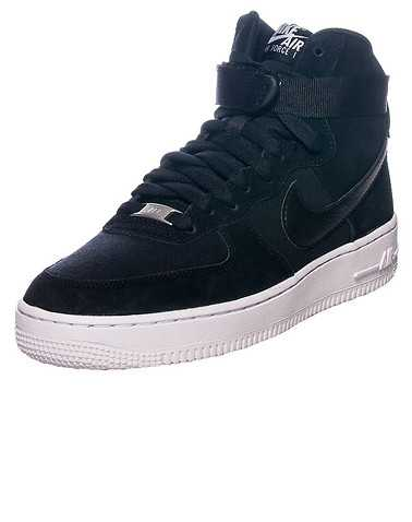 NIKE BOYS Black Footwear / Sneakers 4.5Y