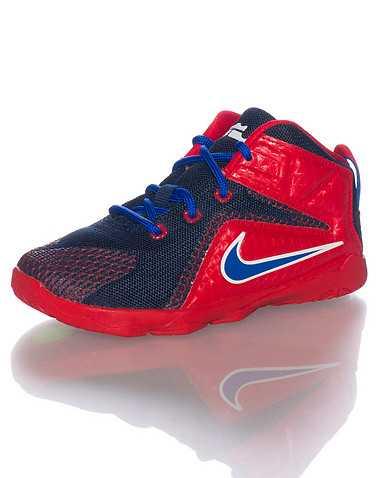 NIKE BOYS Red Footwear / Sneakers 5C