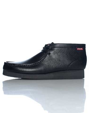 CLARKS MENS Black Footwear / Casual 8.5