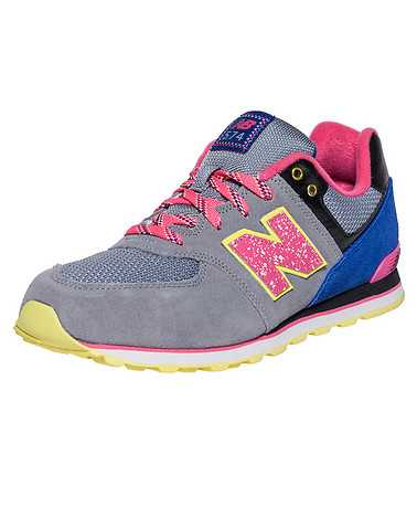 NEW BALANCE GIRLS Grey Footwear / Sneakers