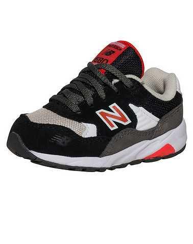 NEW BALANCE BOYS Black Footwear / Sneakers 4C