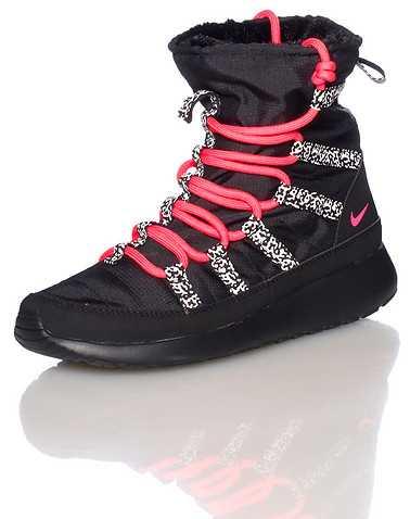 NIKE GIRLS Black Footwear / Boots 6Y