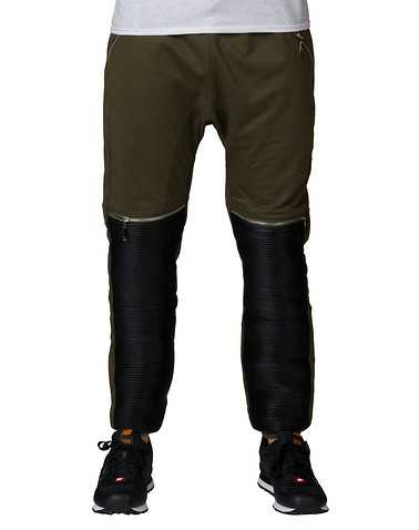 AMERICAN STITCHENS Dark Green Clothing / Sweatpants