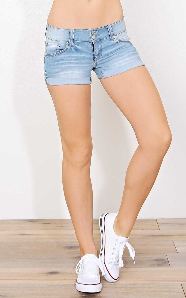 Paris Blues Beach Day Denim Shorts - Lt Wash in Size 7 by Styles For Less