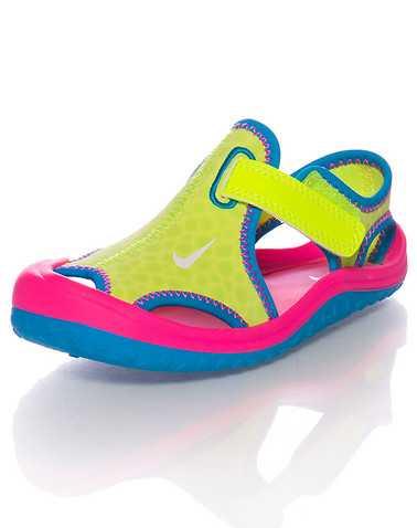 NIKE GIRLS Multi-Color Footwear / Sandals