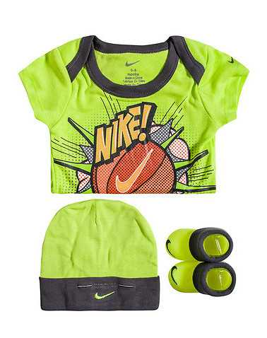 NIKE BOYS Yellow Accessories / Socks 0-6