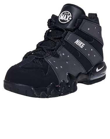 NIKE BOYS Black Footwear / Sneakers 2Y