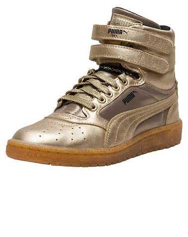 PUMA WOMENS Gold Footwear / Casual 5.5