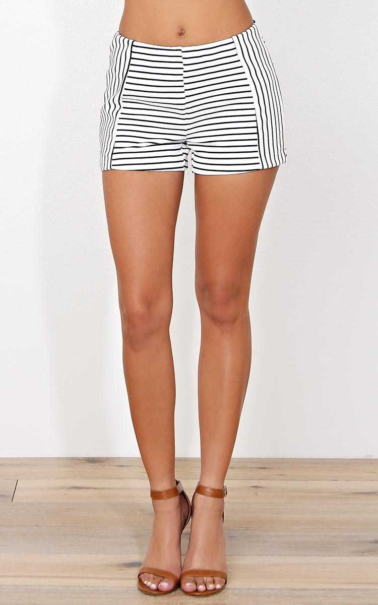 Anchored High Rise Knit Shorts - MED - in Size Medium by Styles For Less