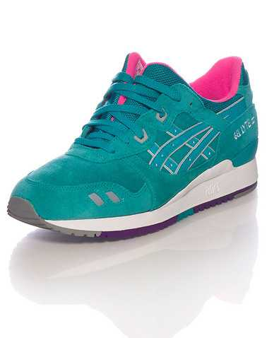ASICS MENS Green Footwear / Sneakers