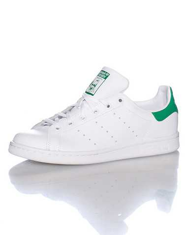 adidas BOYS White Footwear / Sneakers 6