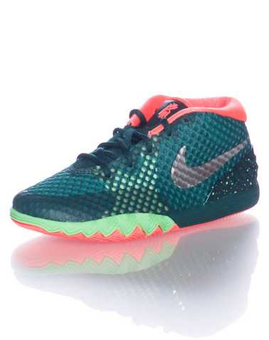 NIKE BOYS Green Footwear / Sneakers 4C