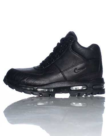NIKE BOYS Black Footwear / Boots