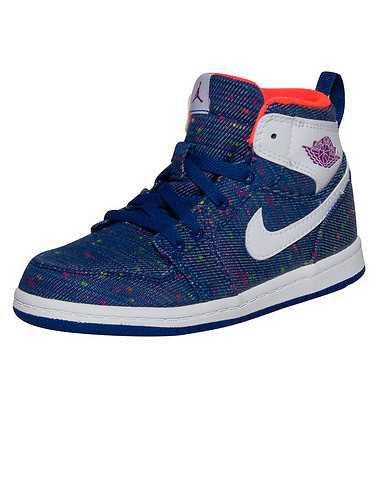 JORDAN BOYS Blue Footwear / Sneakers