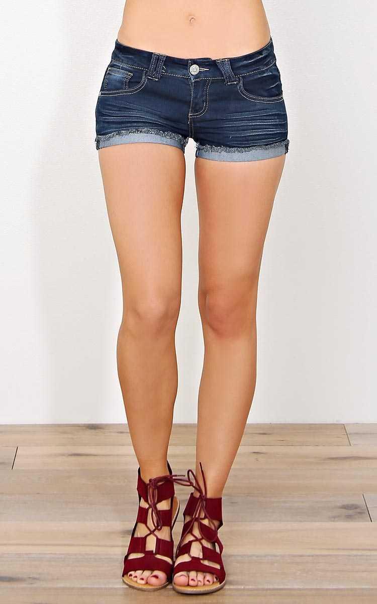 Paris Blues Nancy Medium Wash Shorts - Dark Denim in Size 5 by Styles For Less