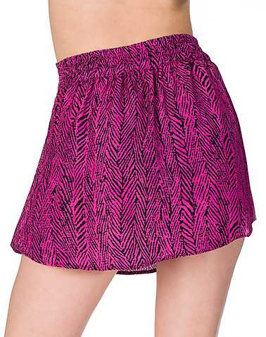 ESSENTIALS WOMENS Pink Clothing / Skirts S