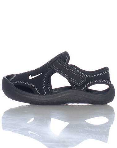 NIKE BOYS Black Footwear / Sandals 4C