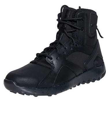 NIKE SPORTSWEAR WOMENS Black Footwear / Boots 6