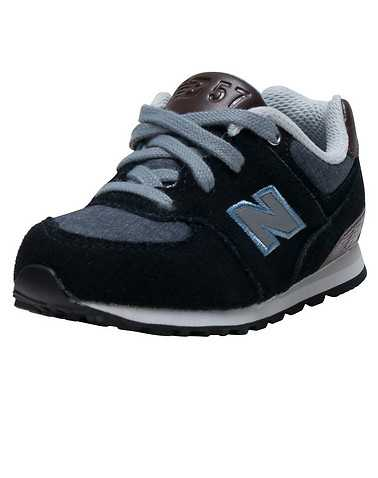 NEW BALANCE GIRLS Black Footwear / Sneakers