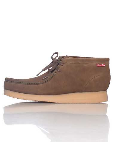 CLARKS MENS Brown Footwear / Casual 9