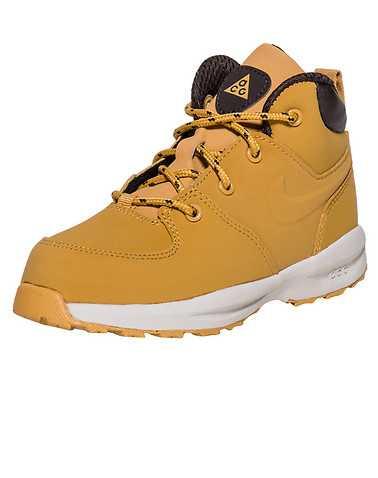 NIKE BOYS Beige-Khaki Footwear / Boots 4C
