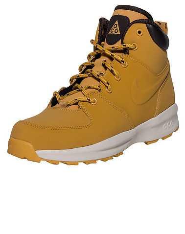 NIKE BOYS Beige-Khaki Footwear / Boots