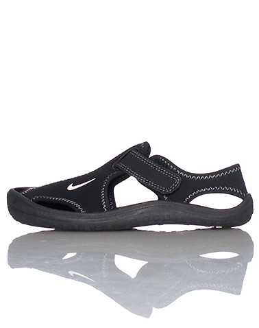 NIKE BOYS Black Footwear / Sandals 2Y