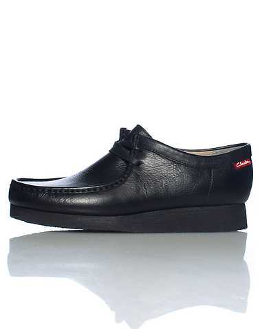 CLARKS MENS Black Footwear / Casual 9