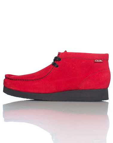CLARKS MENS Red Footwear / Casual 8.5