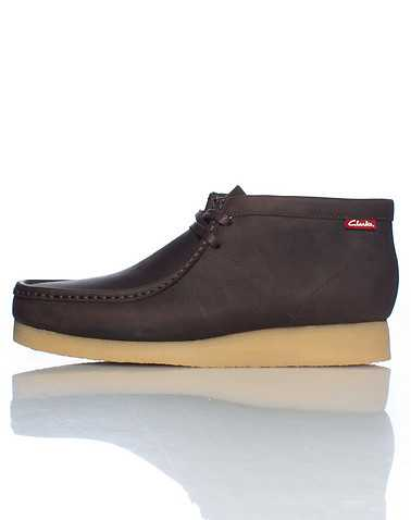 CLARKS MENS Brown Footwear / Casual 9.5