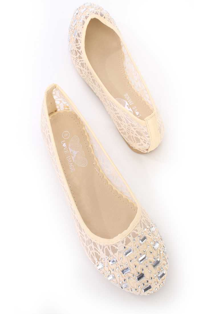 Beige Gemstone Closed Toe Ballet Flats Crochet