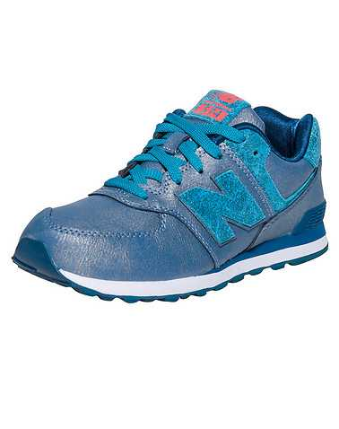 NEW BALANCE BOYS Blue Footwear / Sneakers 4.5Y