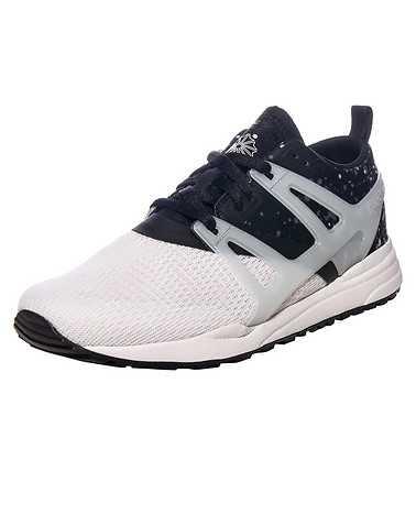 REEBOK WOMENS Black Footwear / Sneakers