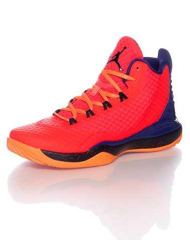 JORDAN BOYS Medium Red Footwear / Sneakers 5.5Y